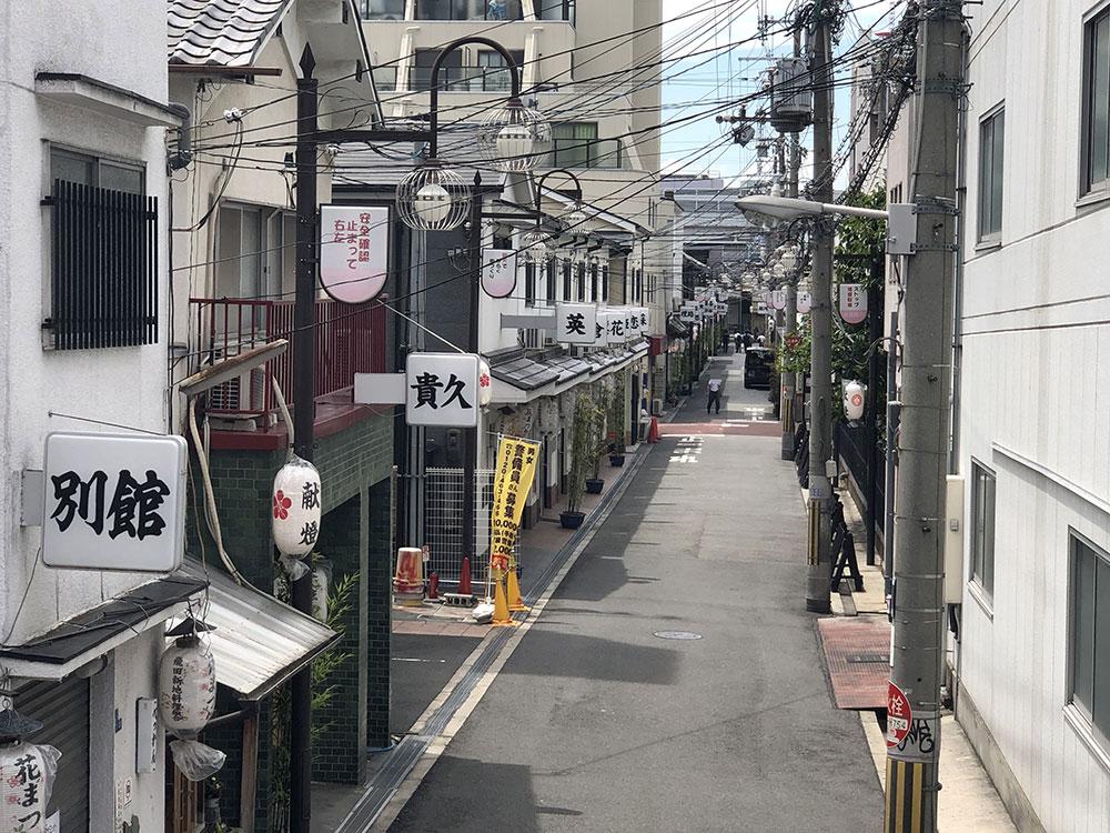 飛田新地の通り